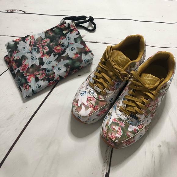 Womens Nike Air Max 1 Ultra Milan sz 6.5 Floral. M 5c4a43b604e33df821c3c5f3 d07c64c405